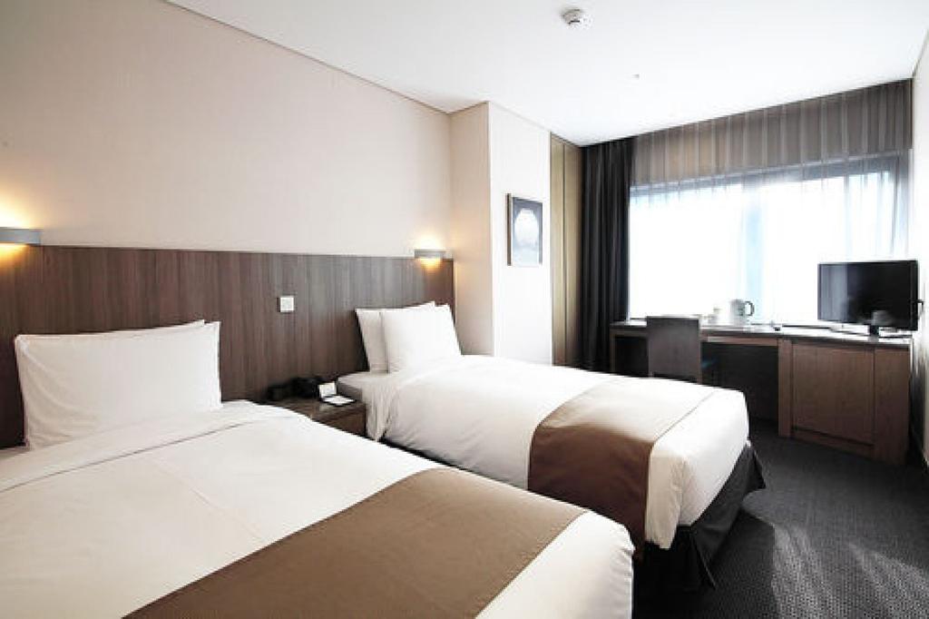 Center Mark Hotel, Jongro