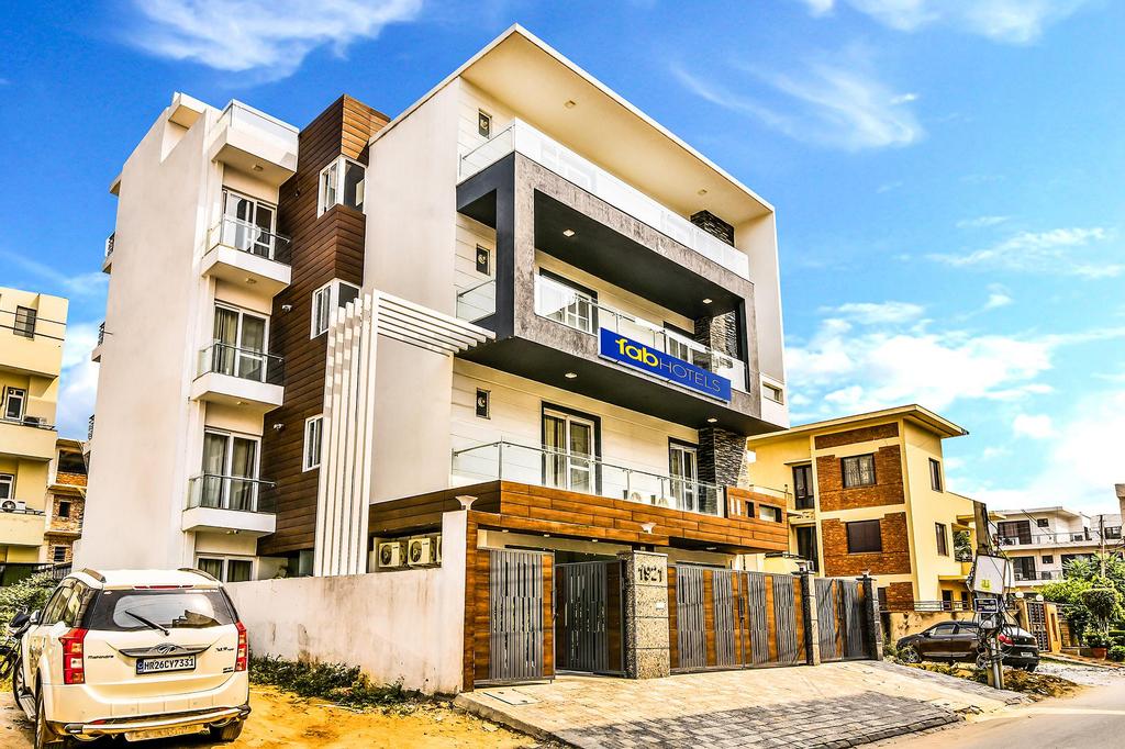 FabHotel Comfort Dome Sector 45, Gurgaon