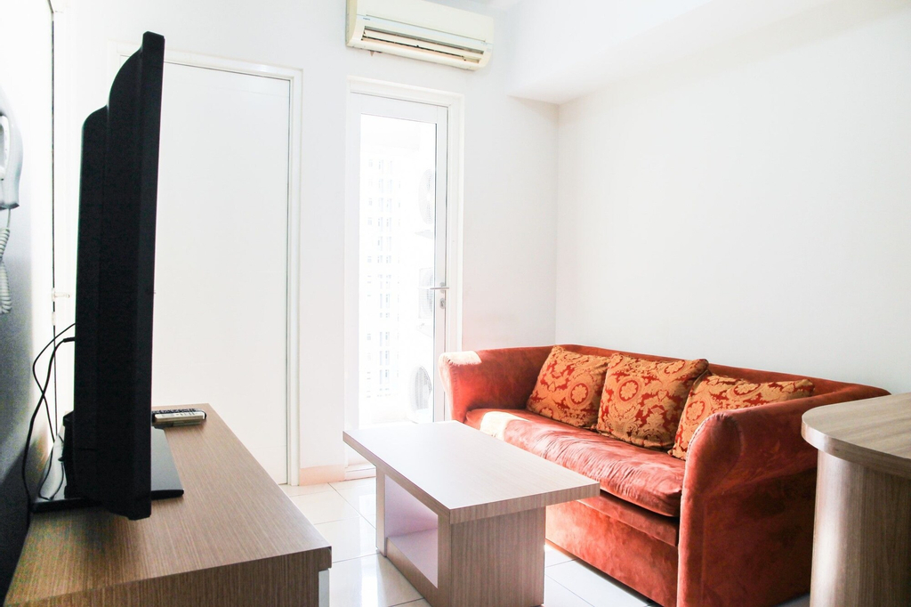 Homey 3BR Springlake Summarecon Apartment Bekasi, Bekasi