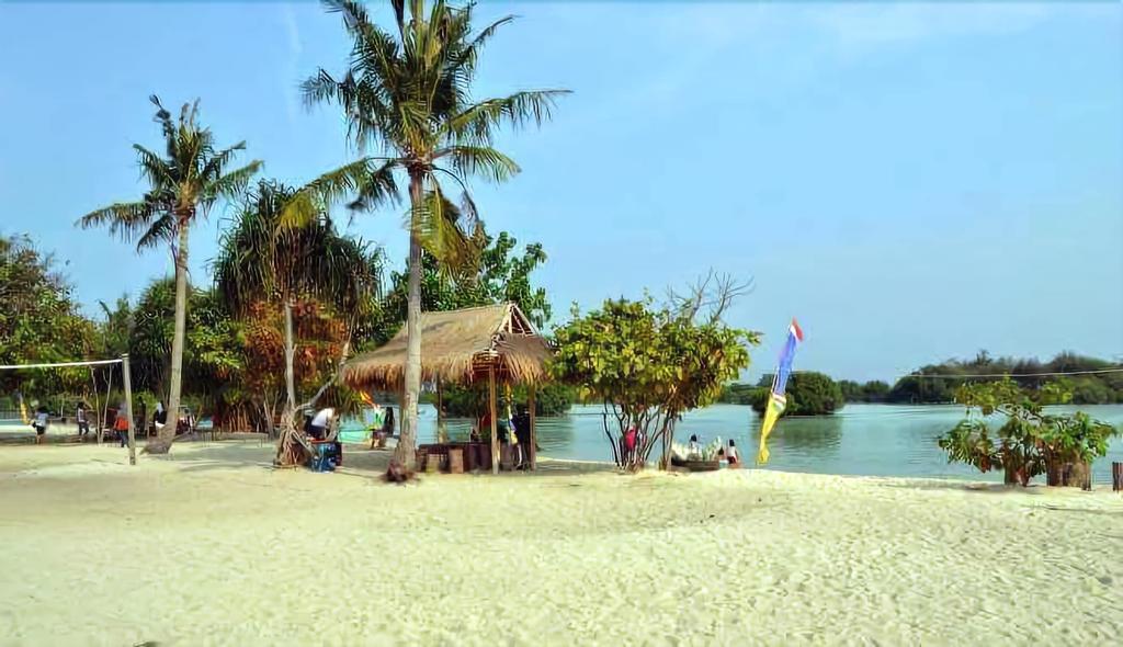 Pari Island Guest House, Thousand Islands
