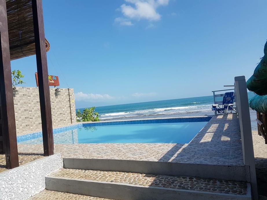 Aura Marina Sands Beach Resort, Baler