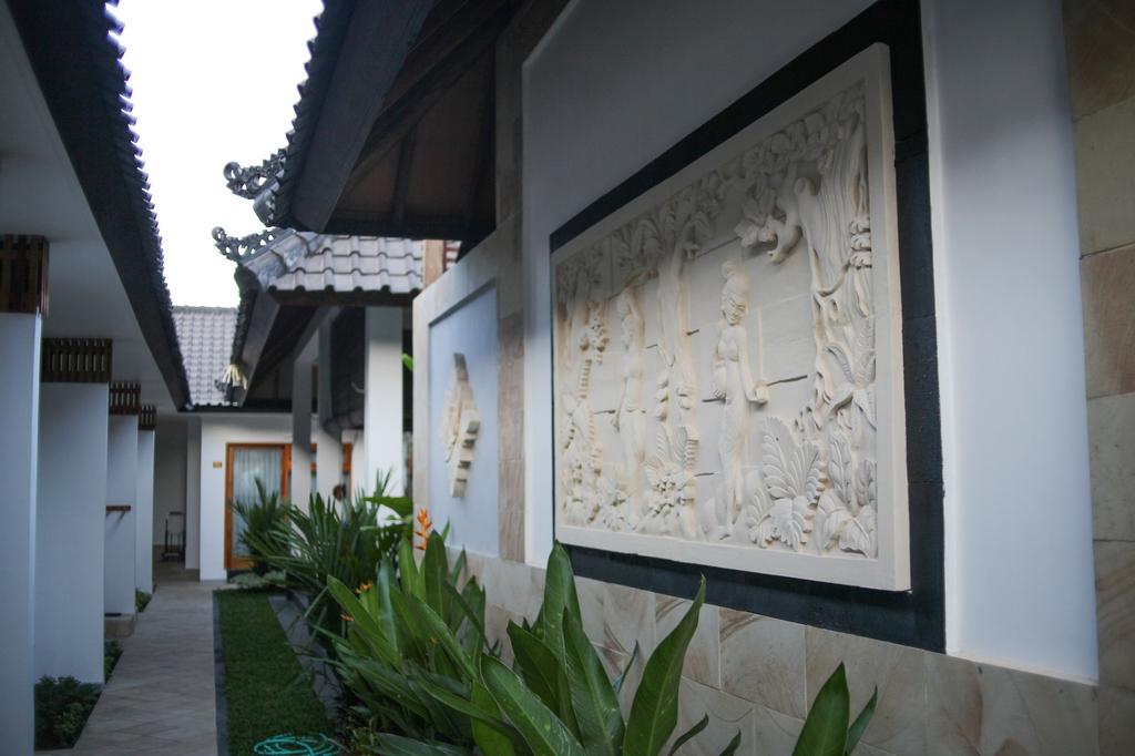 Villa Casablanca Surf Keramas, Gianyar