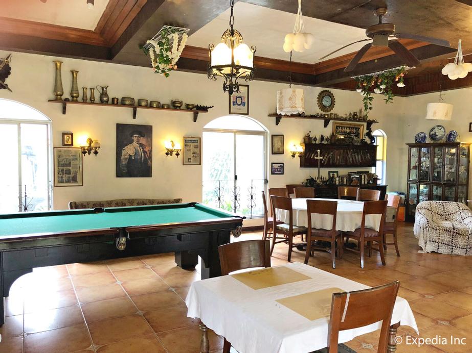 Casa de Carlo, Tagaytay City
