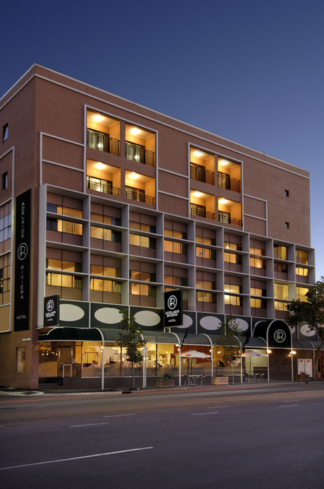 Adelaide Riviera Hotel, Adelaide