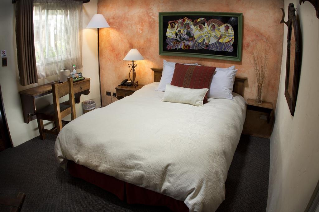 Hotel Ciudad Vieja, ZONA 10