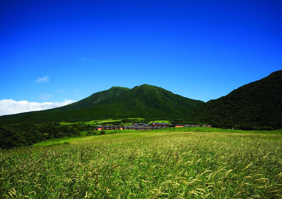 Resonate Club Kuju, Taketa