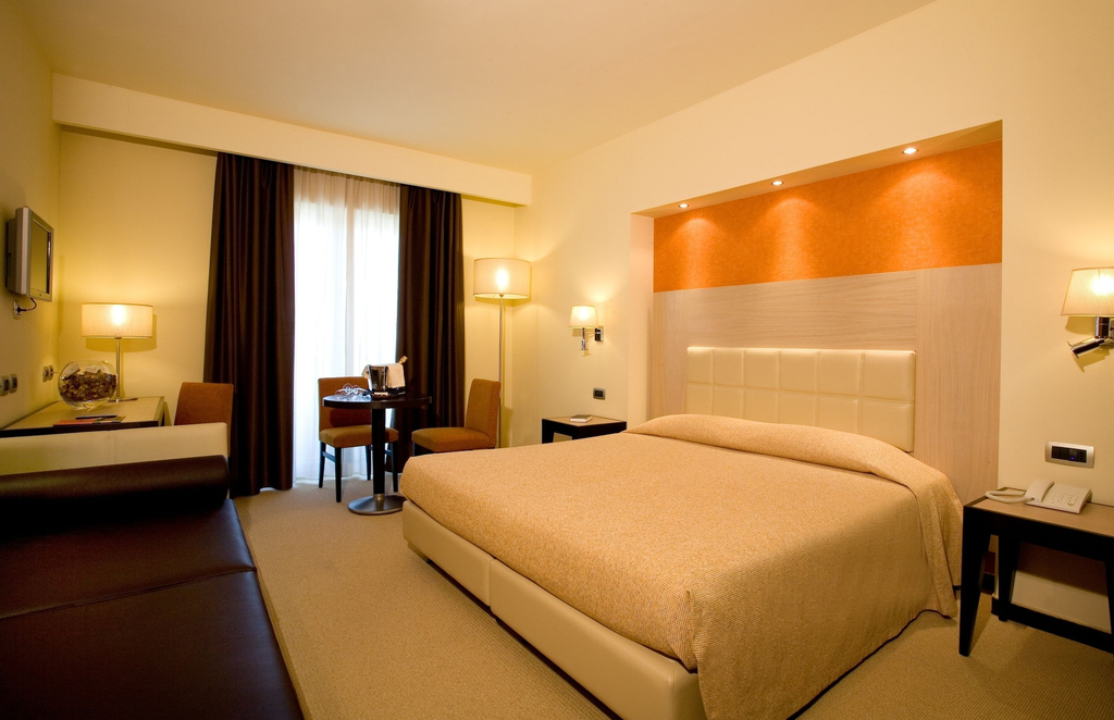 Grand Hotel Olimpo, Bari