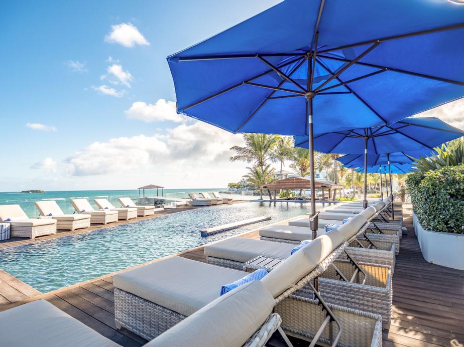 Hodges Bay Resort and Spa,