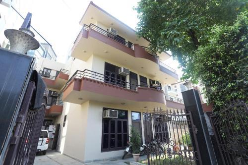 OYO 22270 Sky Inn, Gurgaon