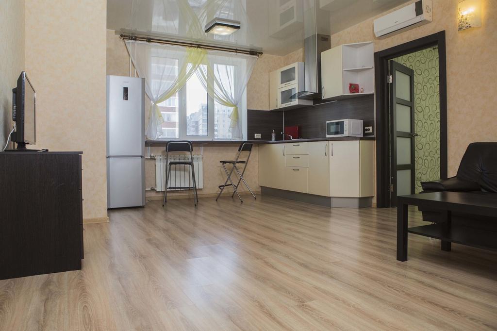 Apartment on 7-ya proseka 92, Volzhskiy rayon