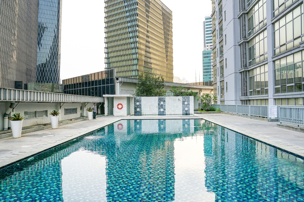 Comfy and Spacious 2BR The Masterpiece Epicentrum Apartment By Travelio, Jakarta Selatan