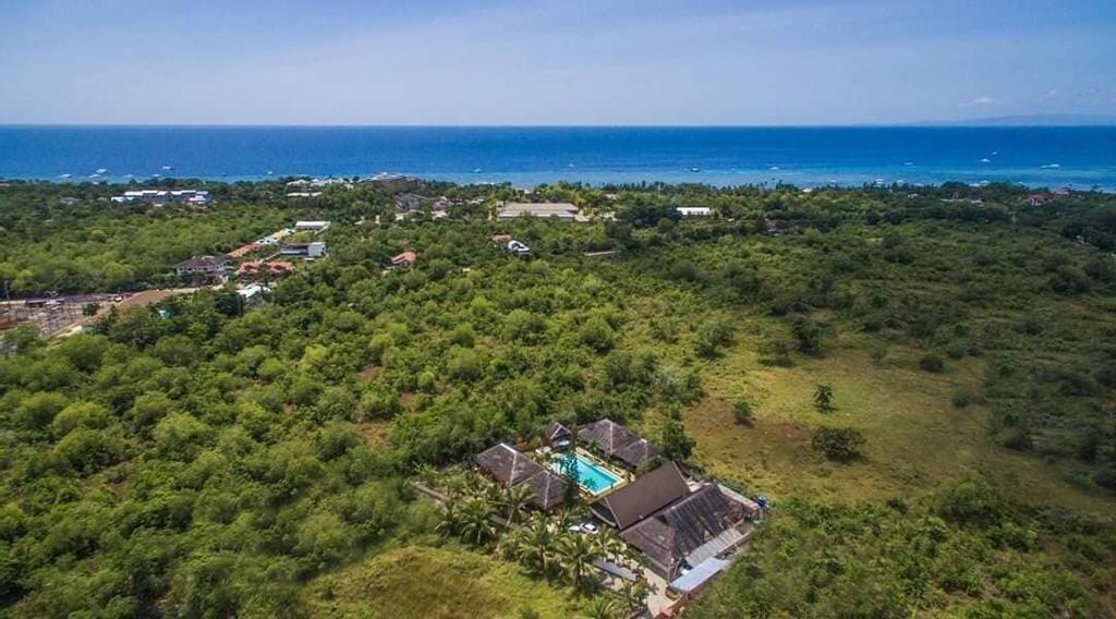 The Barefoot Alona Resort, Panglao