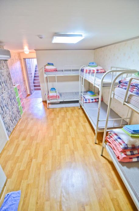 Kimchee Hongdae Guesthouse - Hostel, Seodaemun