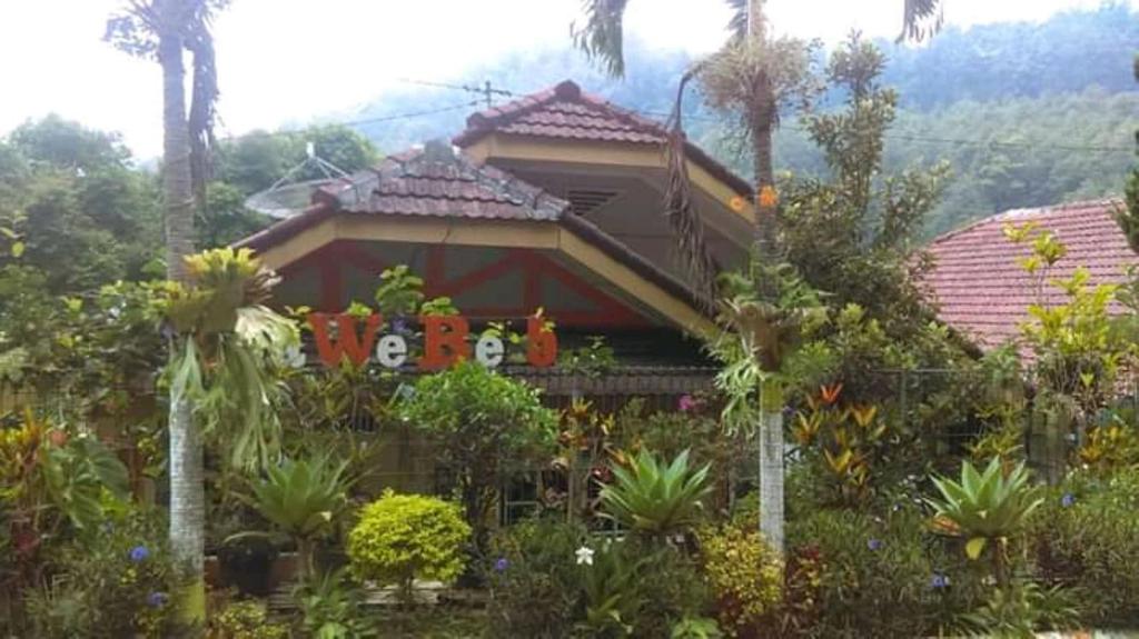 Villa KaWeBe, Malang