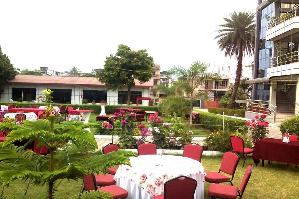 Hotel River Crown, Lumbini