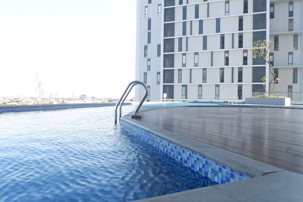 High Floor with City View 2BR Apartment at The Linden, Surabaya