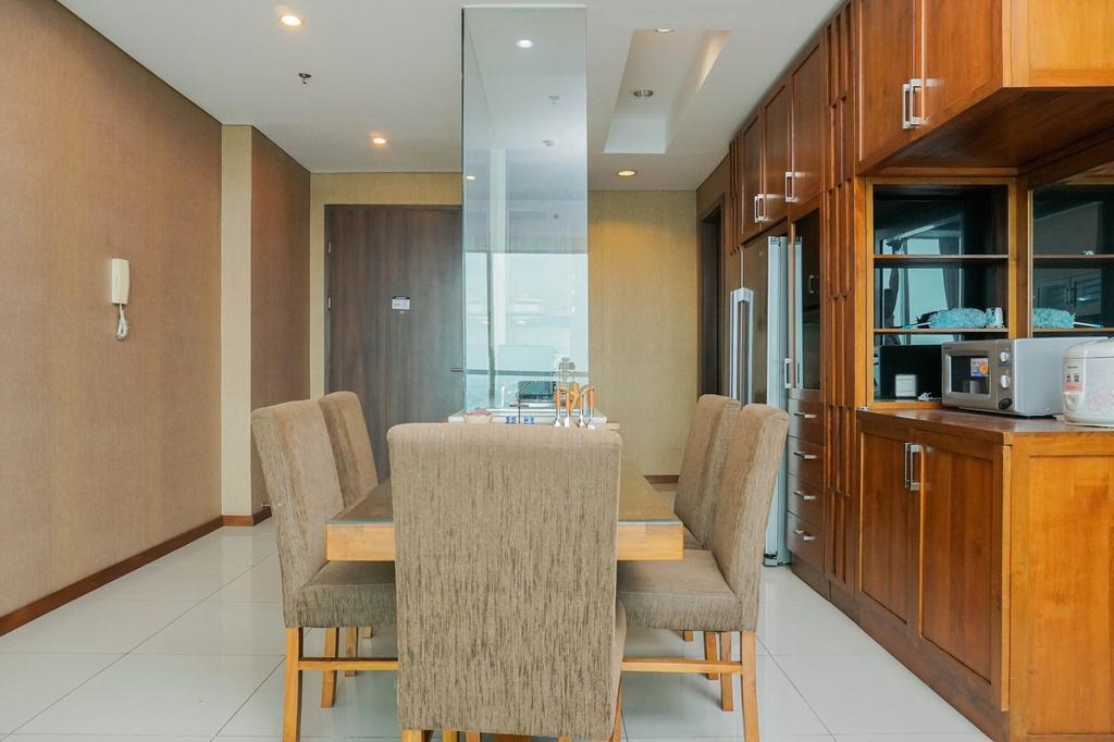 Suite 3BR Kemang Village Apartment, Jakarta Selatan