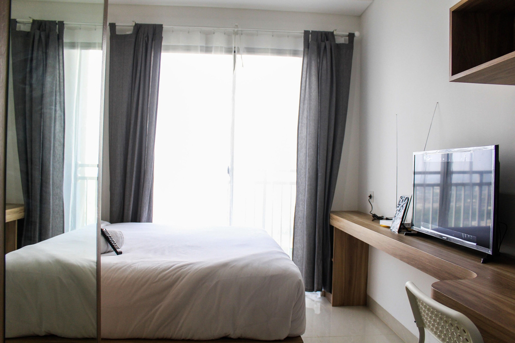 Minimalist and New Furnished Studio Apartment at Springwood Residence, Tangerang