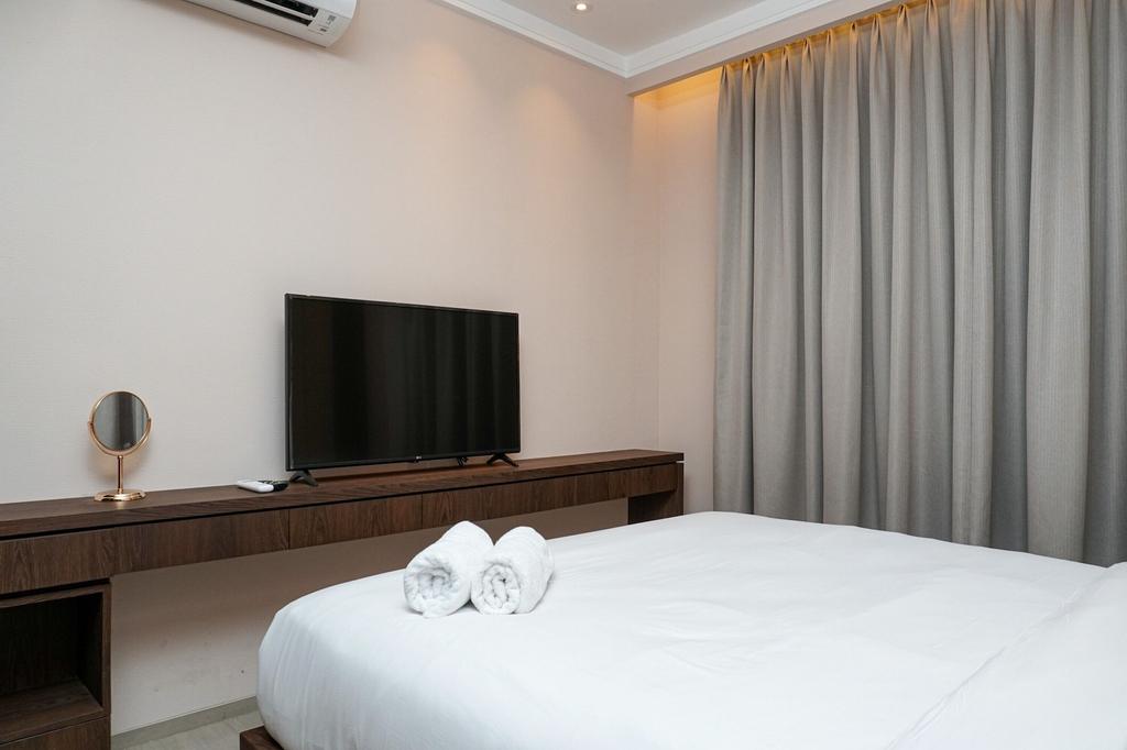 Minimalist and Cozy 2BR Citralake Suites Apartment, Jakarta Barat