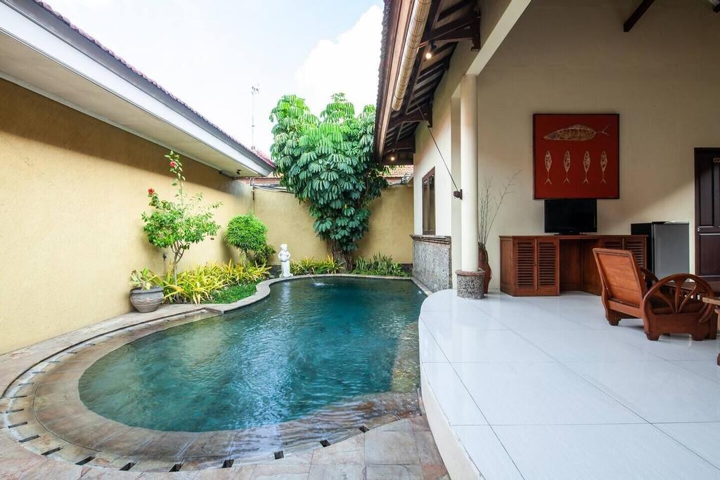 PB - 6BR- V1+V3 · 6BR Private Pool Villa Walk to Seminyak Beach, Badung