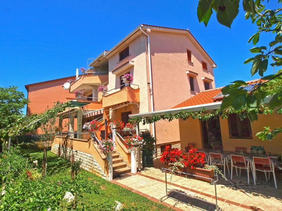 Apartments Milano 994, Fažana