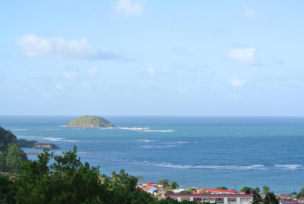 House With one Bedroom in La Trinité, With Wonderful sea View, Furnish, La Trinité