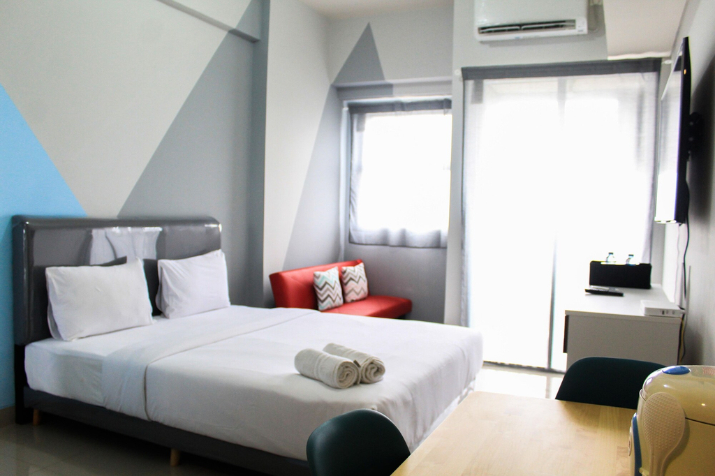 Minimalist and Posh Studio Parkland Avenue Apartment, Tangerang Selatan