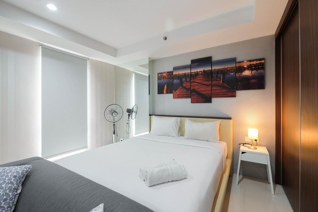 Elegant and Comfy Studio Azalea Suites Apartment Cikarang, Cikarang