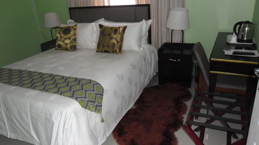 Gill Sleepover Guesthouse, Kgatleng