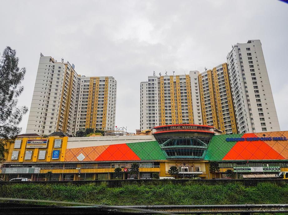 Elegant 2BR Apartment at Great Western Resort, Tangerang