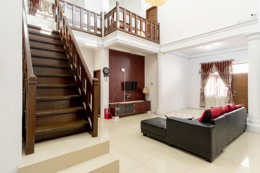 OYO 1632 1000 House, Medan