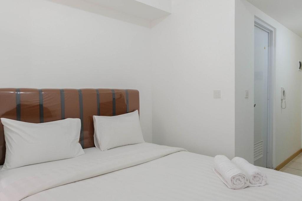 Cozy Studio Apartment at M-Town Residence near Summarecon Mall, Tangerang
