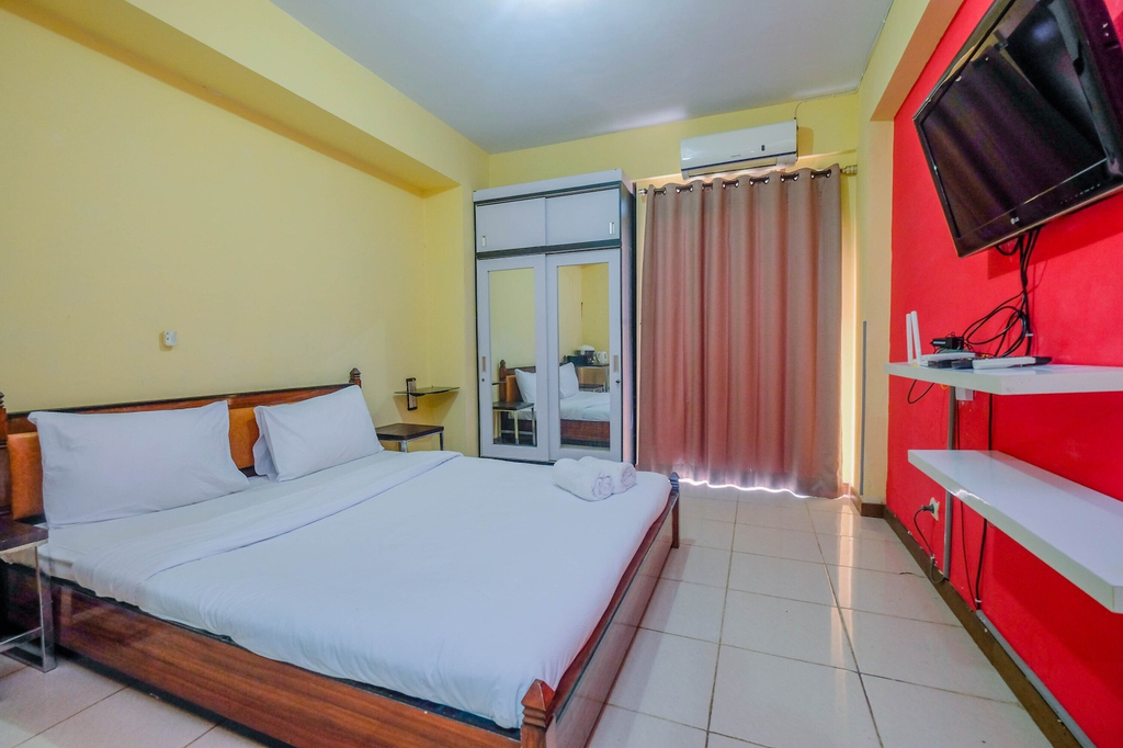 Homey Studio Apartment with Pool View at Bogor Valley By Travelio, Bogor