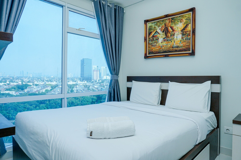 Deluxe Puri Mansion 1BR Apartment with Sofa Bed, Jakarta Barat