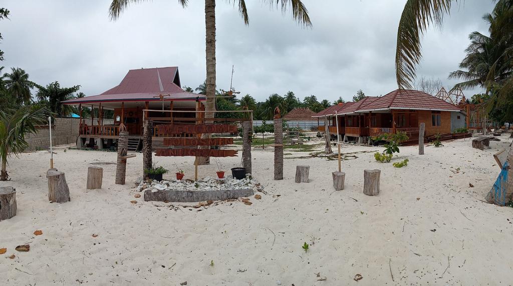 Losmen Anugrah, Kepulauan Mentawai