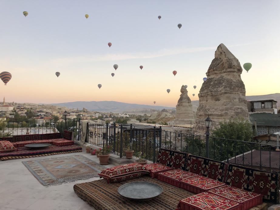 Cappadocia Stone Palace, Merkez