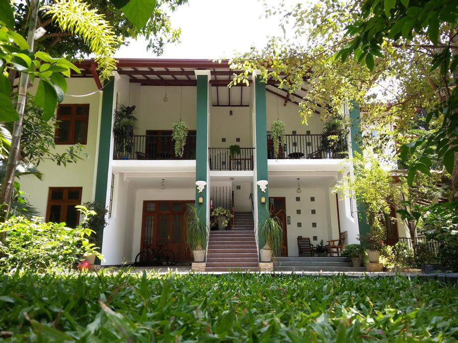West Dene, Negombo