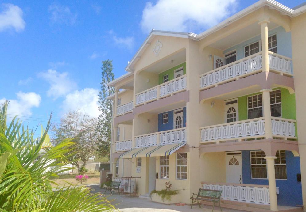 Cumber's Tropical Apartments,