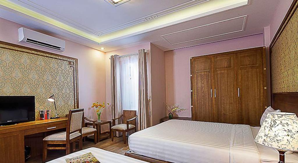 Spring Flower Hotel, Hoàn Kiếm