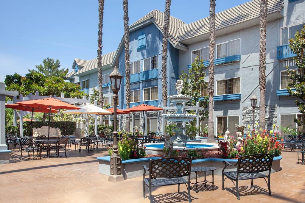 Azure Hotel & Suites, Trademark Collection by Wyndham, San Bernardino