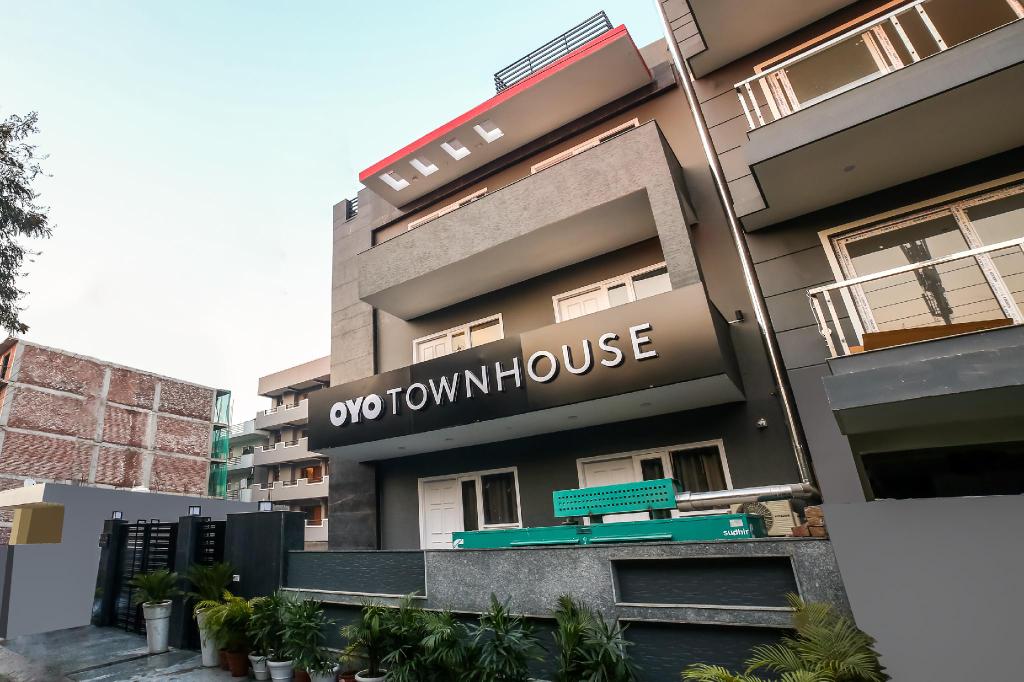 OYO Townhouse 349 Unitech Cyber Park Gurgaon, Gurgaon