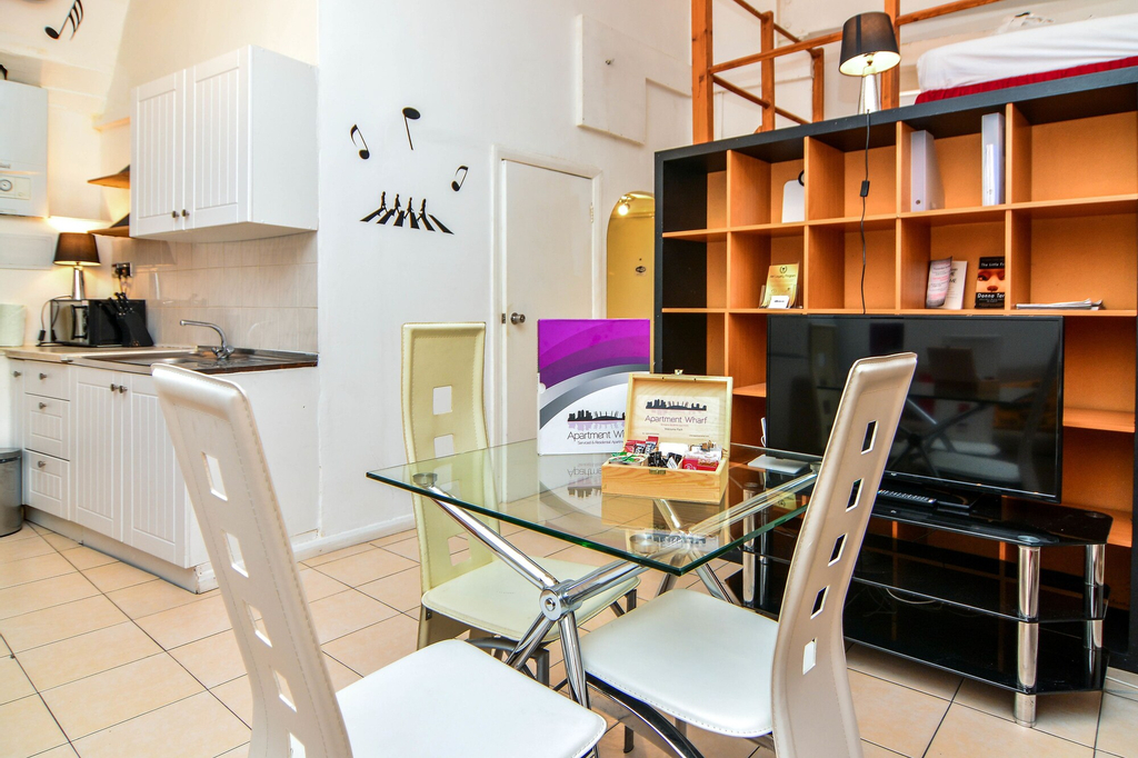 Apartment Wharf – Vintage Central London Apartment, London