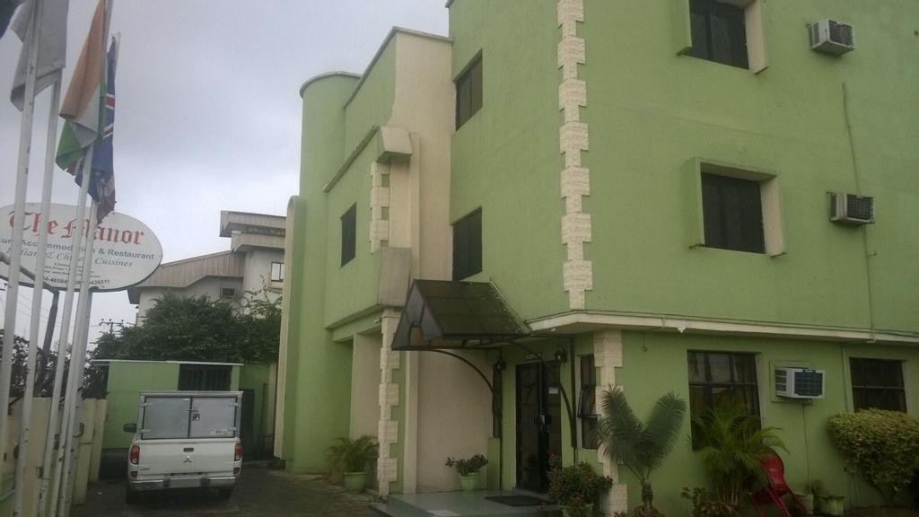 Manor Hotel, Obio/Akp