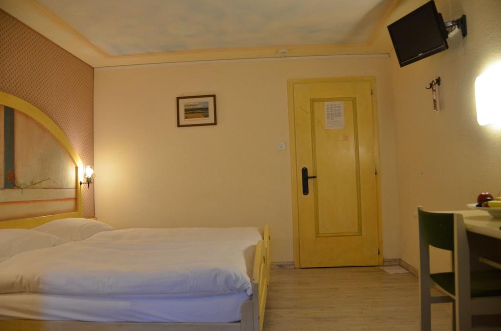 Hotel Touring, Brig