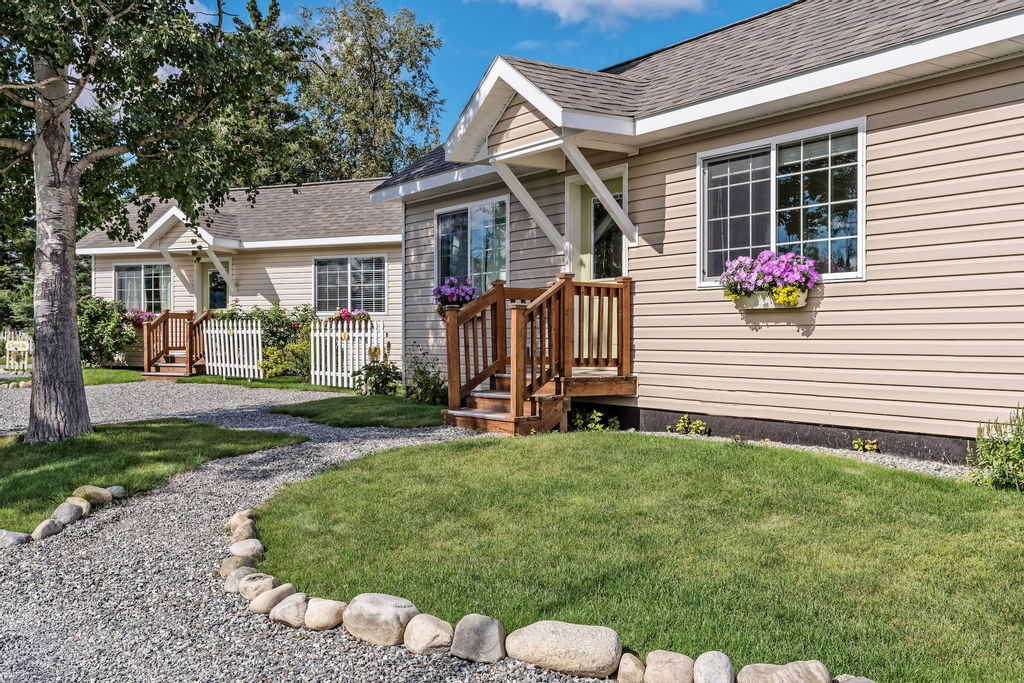 Alaska Garden Gate B&B and Cottages, Matanuska-Susitna