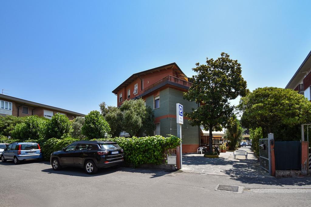 Hotel La Pineta, Massa Carrara