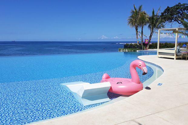 Flamingo Beach Club Day Pass