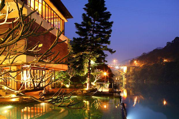 Pengalaman Pemandian Air Panas di Volando Urai Spring Spa & Resort