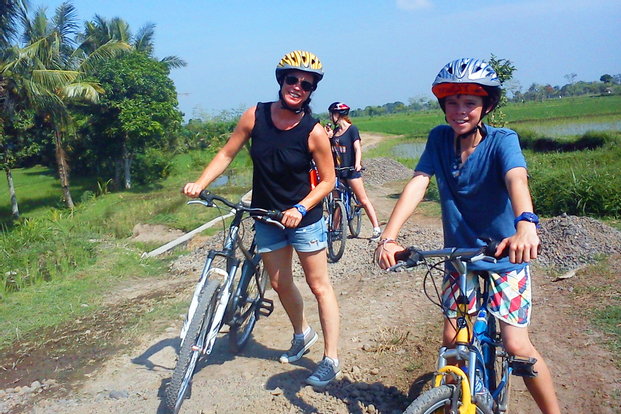 Lombok - Easy Cycling Tour (Gunung Sari - Lingsar)