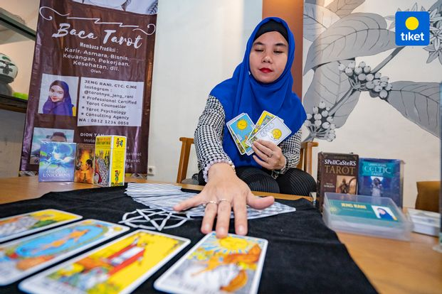 Dandelion Reading Tarot By Jeng Rani